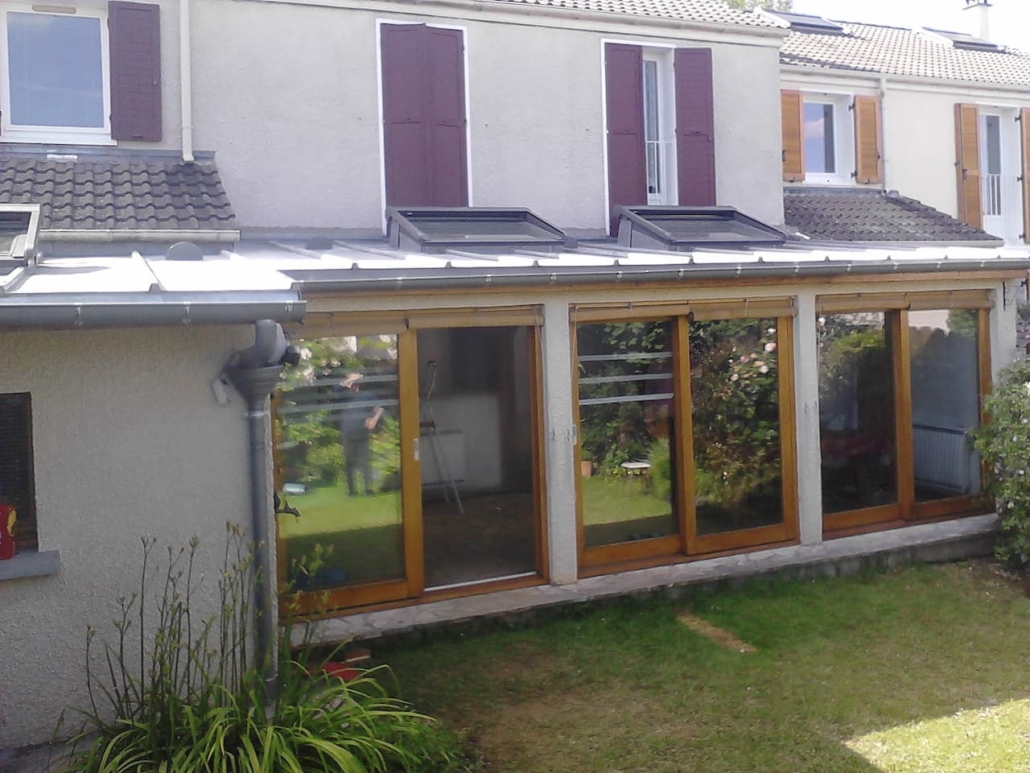 fenêtre de toit sur zinc extérieur